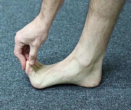 1st toe ext in standing crop